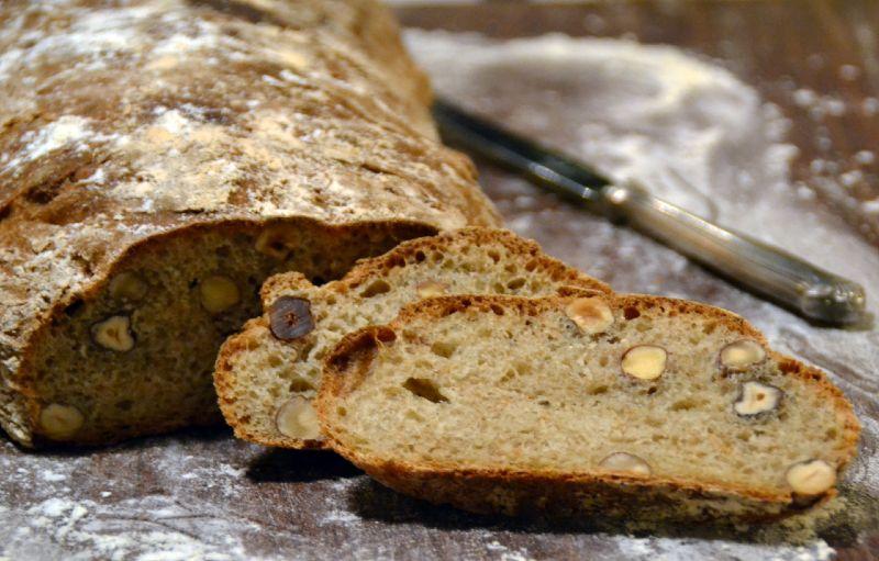 pane con farina di nocciole